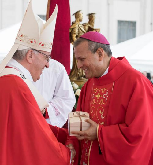 Archbishop  Joseph Kalathiparambil received the Pallium from Pope Francis